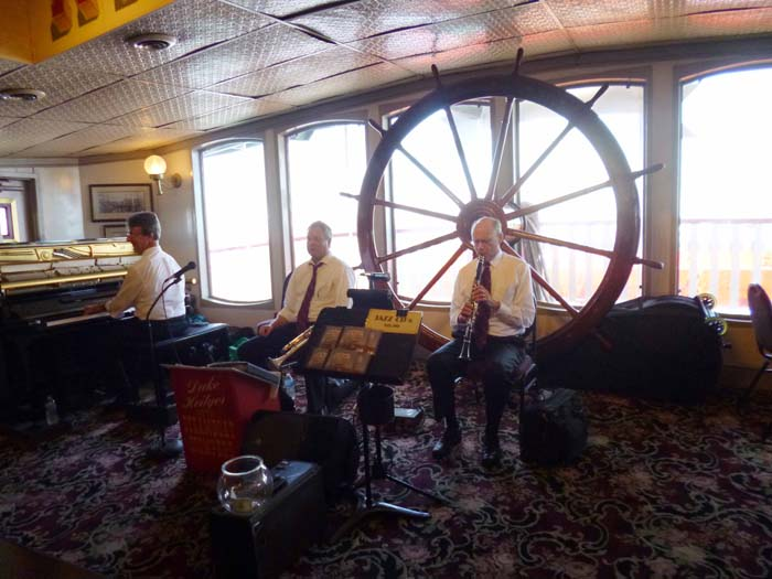 Jazz on board the steamer
