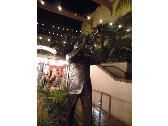 Statue of Satchmo