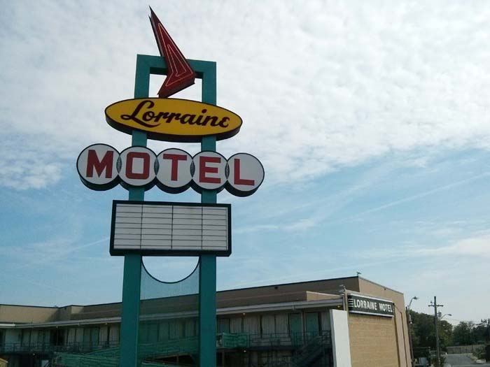 Sign outisde the Lorraine Motel in Memphis