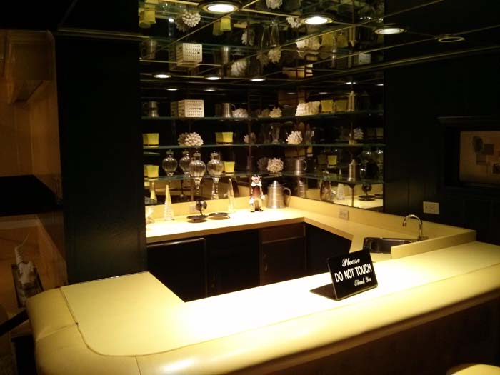 The bar in the Media Room at Graceland