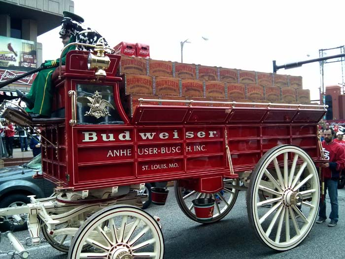 Budweiser horse and carriage set