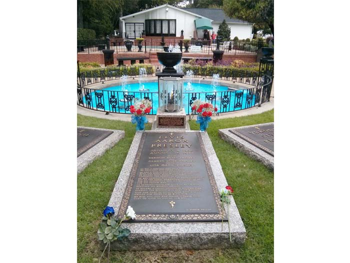 Elvis' grave stone in the Meditation Garden at Graceland