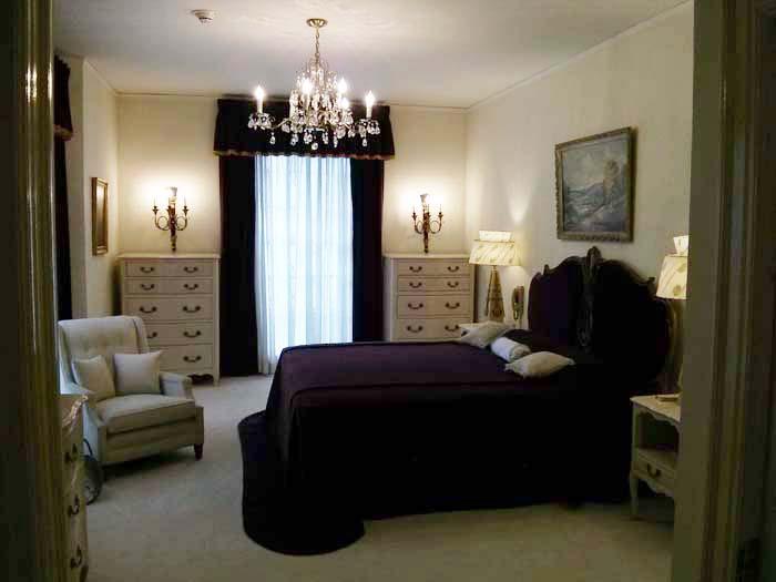 Elvis' parents bedroom inside Graceland