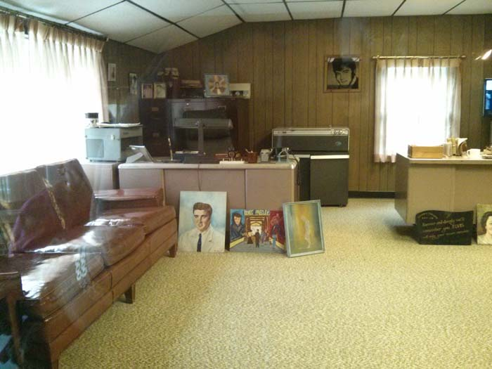 An outbuilding at Graceland that was Elvis' father Vernon's office