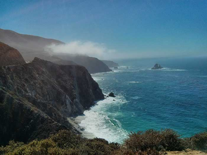 Looking south down the coast from the Bixby Bridge turnout
