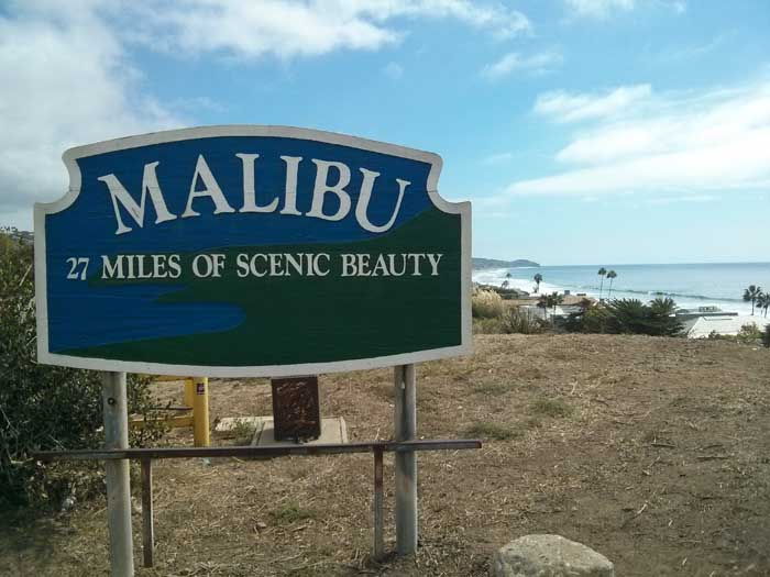 Malibu city limits sign