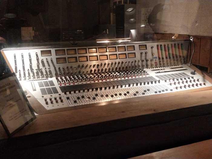 Custom RCA Recording Console