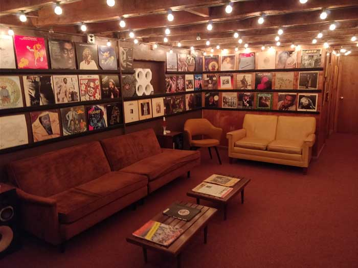 Muscle Shoals Sound Studios downstairs lounge
