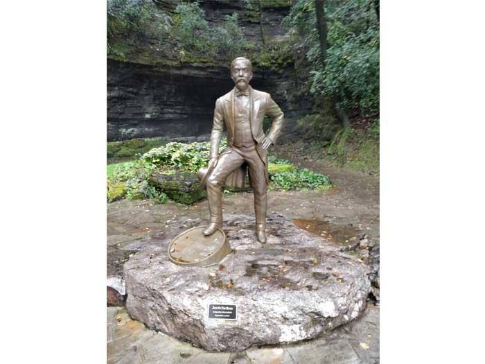Statue of Jack Daniel