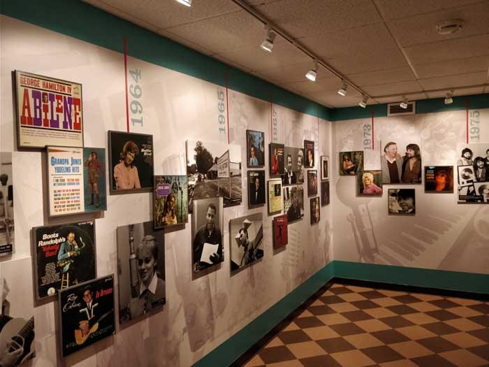 Studio B reception area #1
