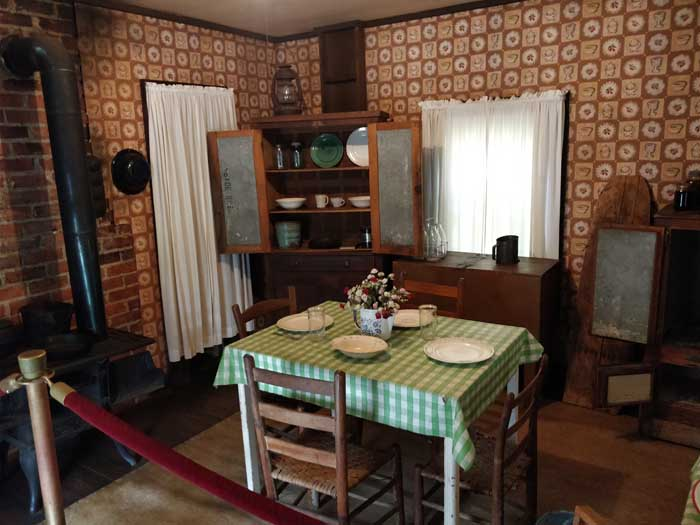 Inside Elvis' house