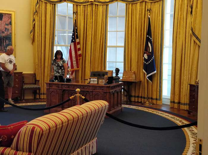 Replica of Clinton's Oval Office