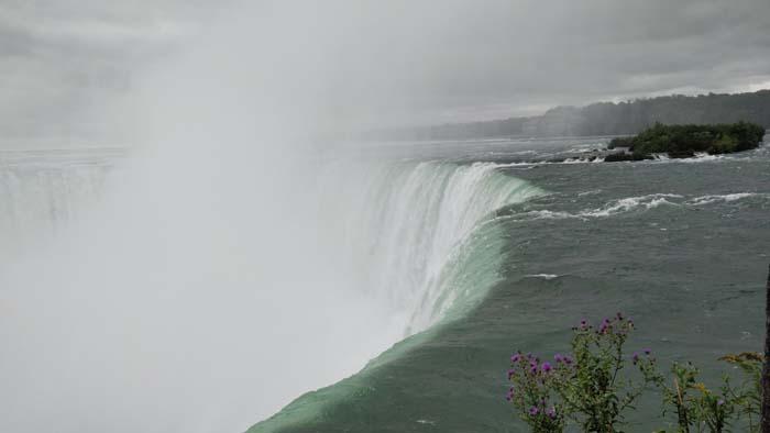 Horseshow Falls - Canada
