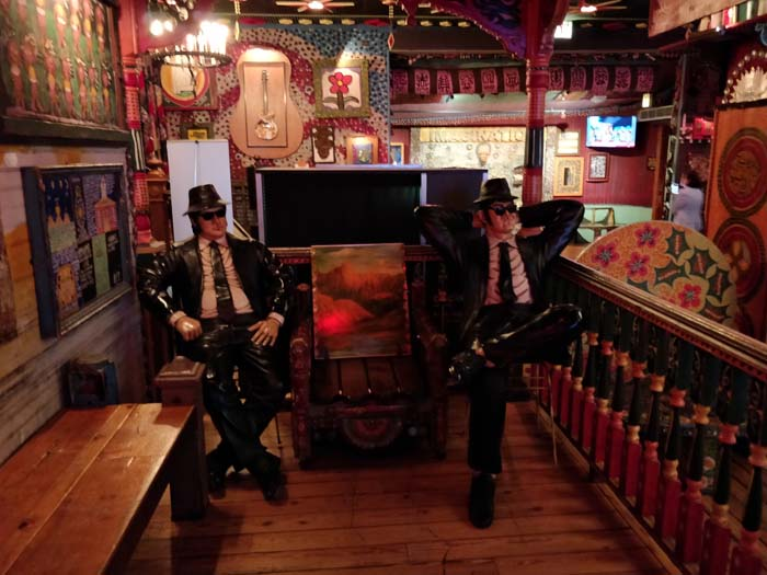 House of Blues - Blues Brothers statue