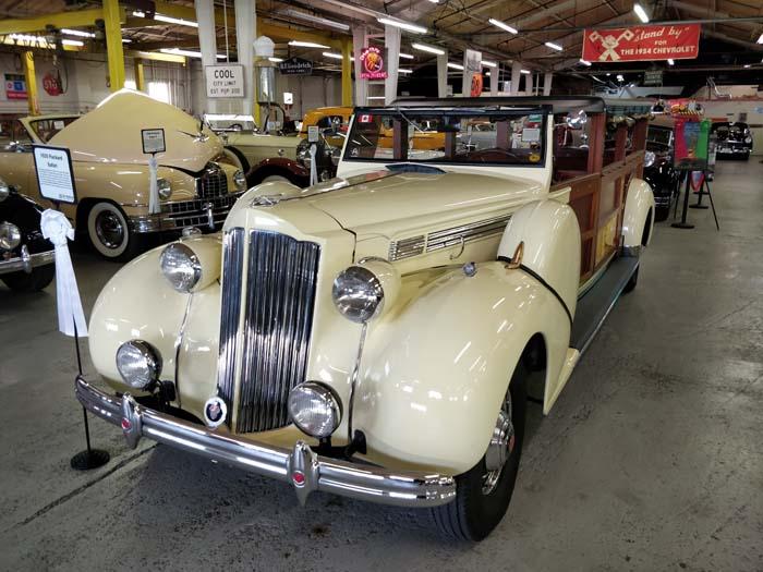 Route 66 Car Museum - Packard Safari